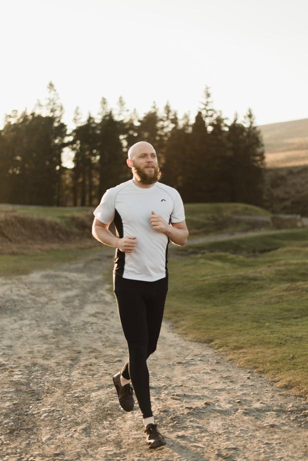 barefoot running, minimalist running, running